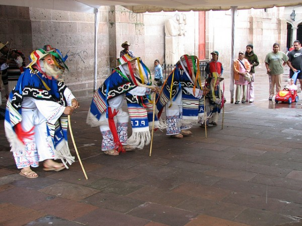 Street performance in Morelia